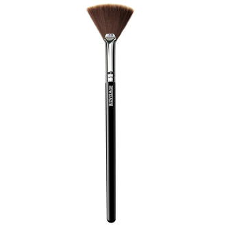 Кисть для хайлайтера веерная Luxvisage Brush Face №10